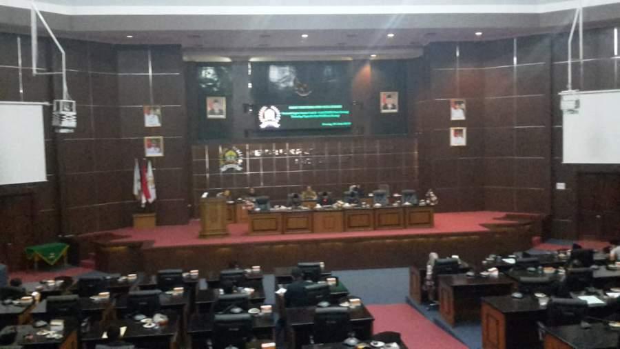 Rapat Paripurna, Anggota DPRD Kota Serang pada Bolos