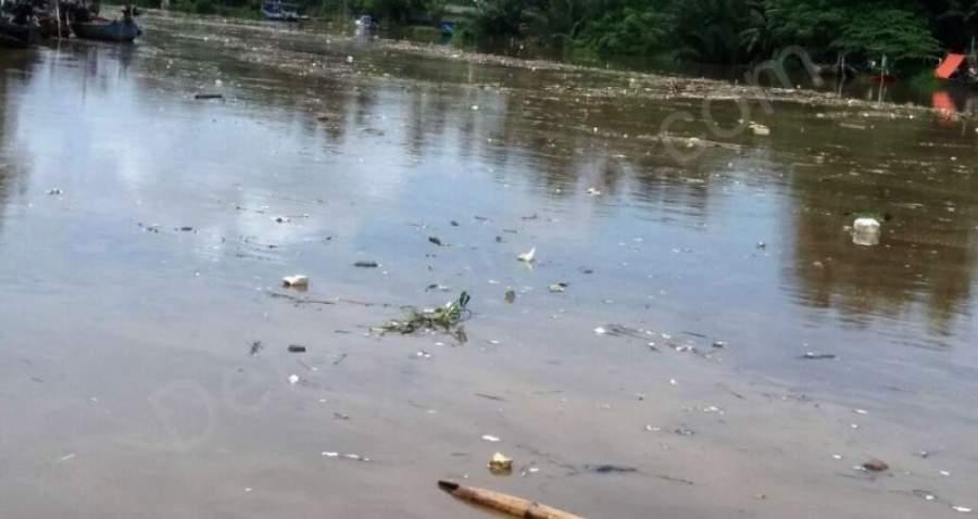 Sampah menumpuk di Tanjung Burung Dikeluhkan warga