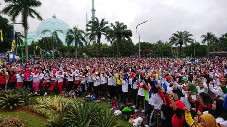 Meriahkan HUT Kota Tangerang Ke-27, Ribuan Masyarakat Ikuti Senam Bersama DPRD