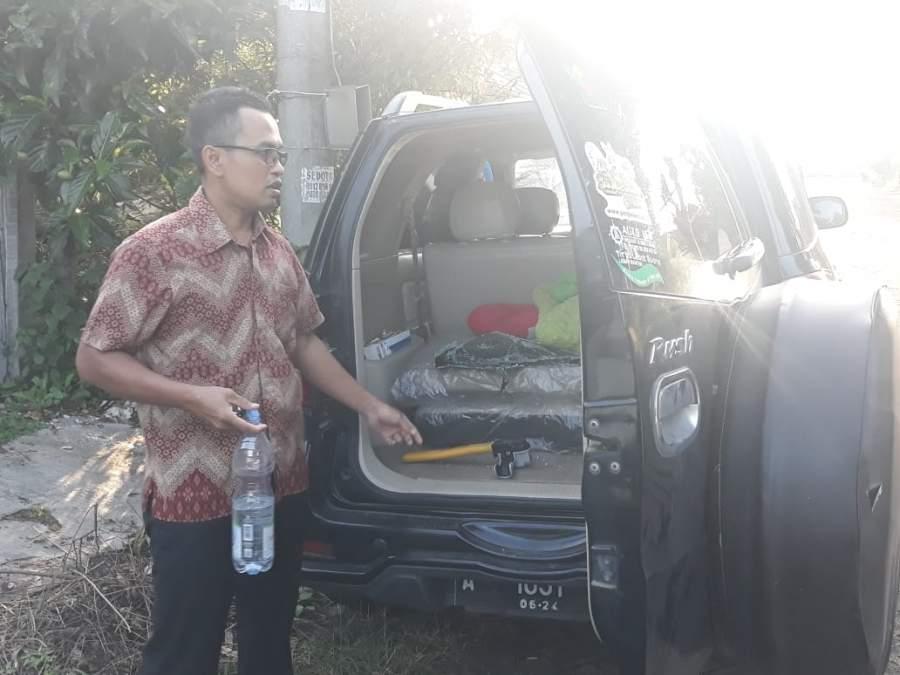 Ditinggal Hearing didepan Gedung DPRD, Mobil Pengurus Forsamik Dibobol Maling