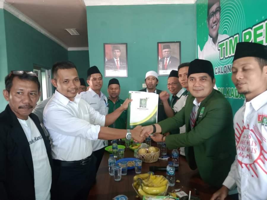 Kembalikan Formulir Ke PKB, Abdul Latif Optimis Maju di Pilkada Serang