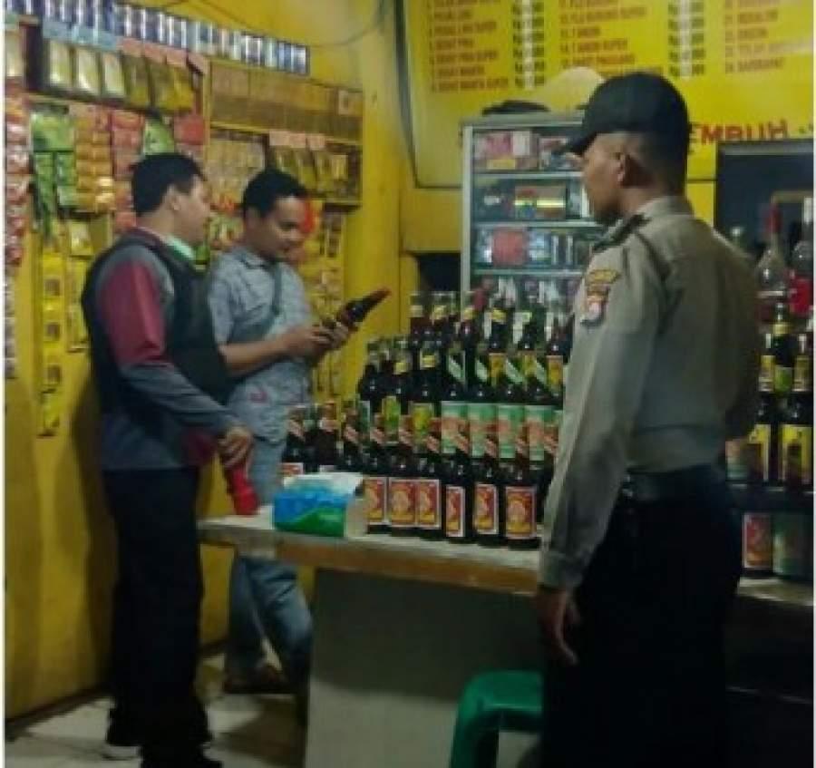 Polsek Rajeg Amankan Puluhan Botol Miras