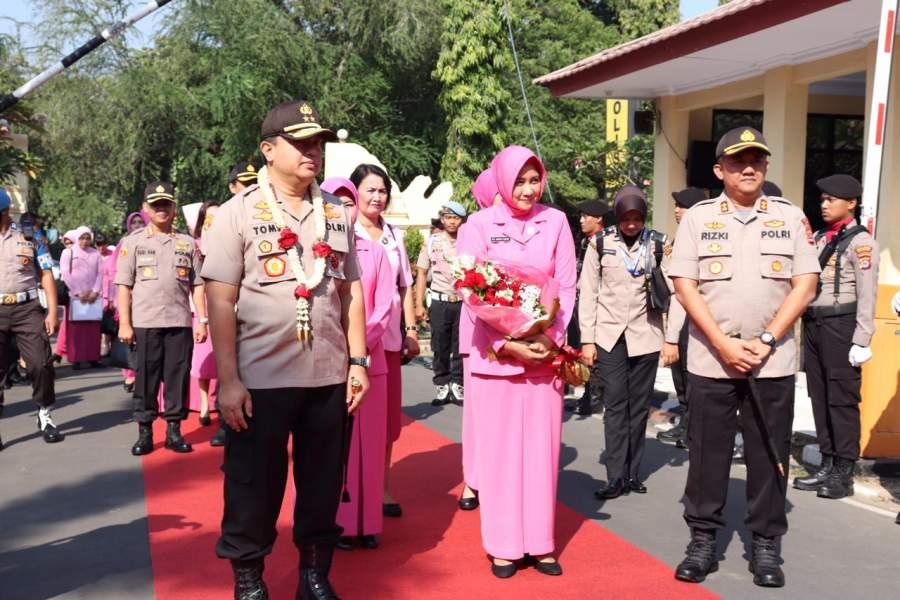 Dengan Ucapkan Bismillah, Kapolda Banten Letakkan Batu Pertama Pembangunan Masjid Polres Cilegon