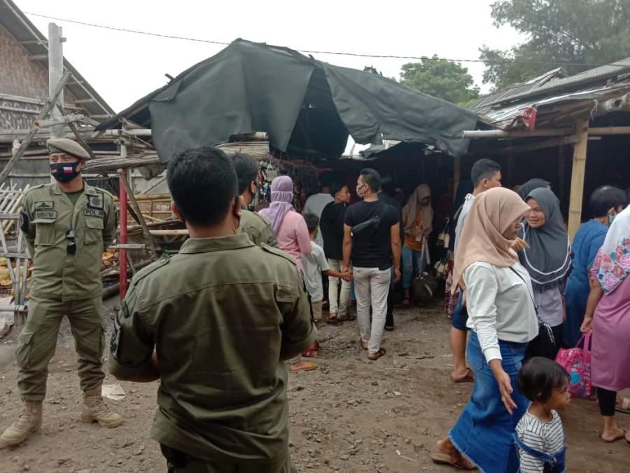 Langgar PSBB, Pantai Tanjung Kait Di Mauk Ditutup Satpol PP