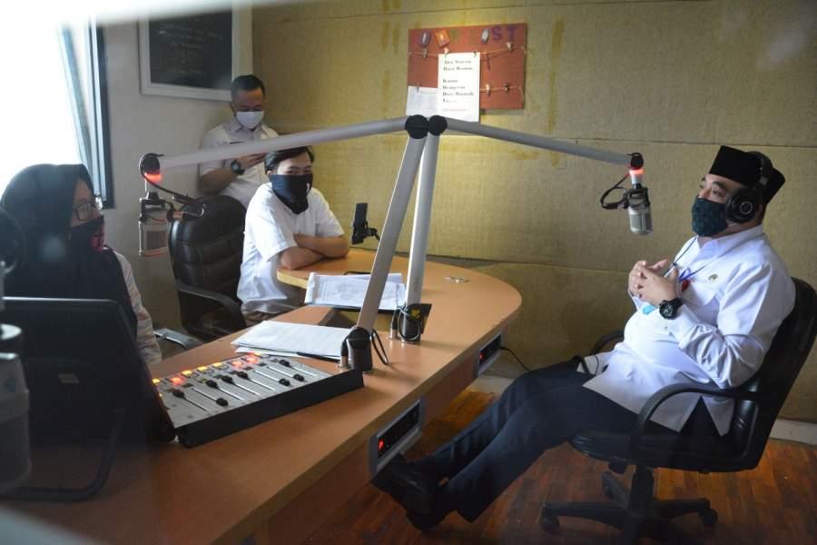 Bupati Zaki Talkshow Terkait Pelayanan ASN Pasca Lebaran