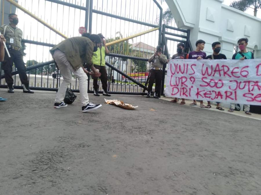 Mahasiswa Tuntut Kejati Banten Usut Dugaan Skandal JPS Kota Serang