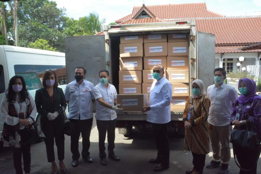 Pemkab Tangerang Terima Bantuan Alat Pelindung Diri Dari Sinarmas Land