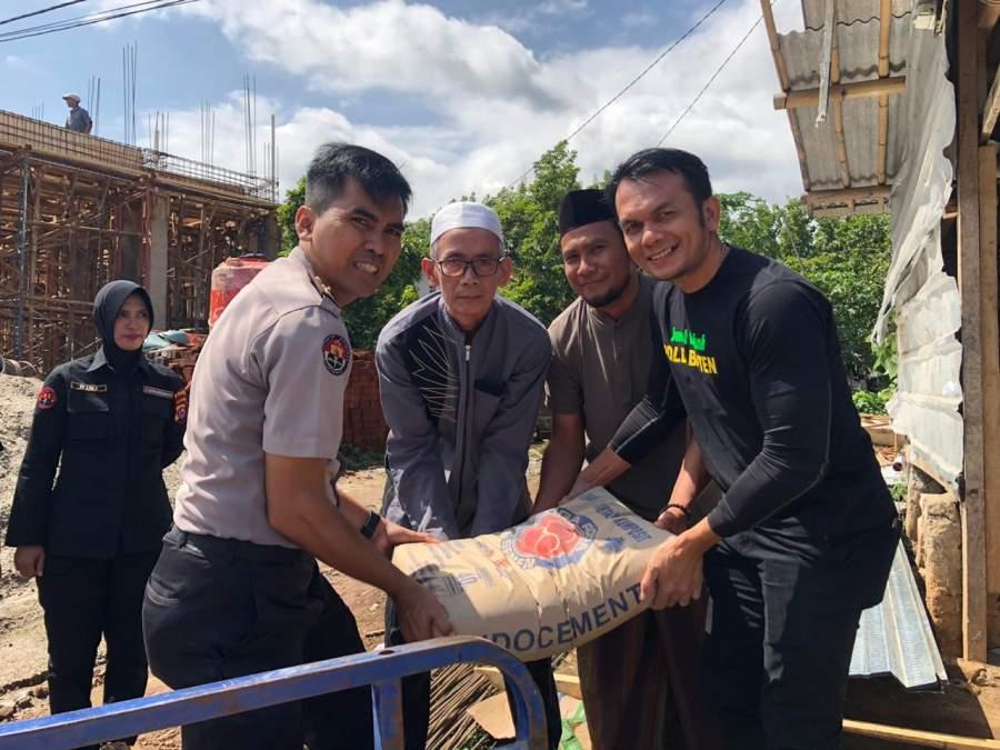 Tim Jum'at Barokah Polda Banten, Sambangi Musholla Nururrahman