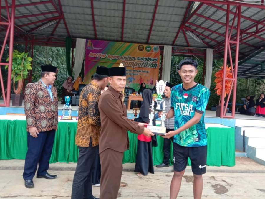 Tim Futsal SMK Yasmi Cilograng Sabet Juara Gubernur Jabar