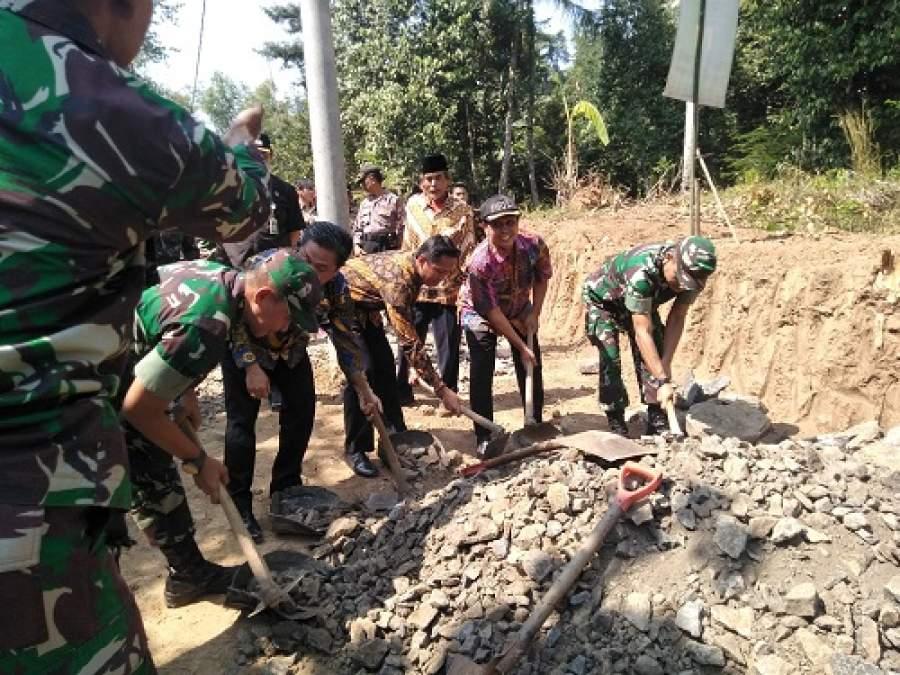 TMMD Imbangan, Sinergitas Kodim 0602/Serang Dengan Pemkot Serang Bangun Jalan