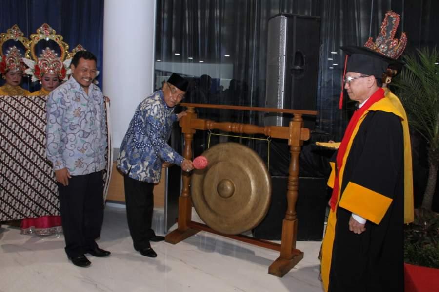 Ketua PBNU Hadiri Wisuda Perdana Universitas Matana