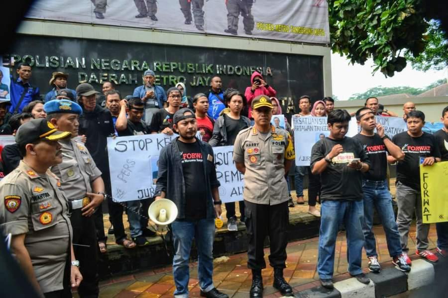 Minta Kasus Dufi Diusut Tuntas,Wartawan Se-Tangerang Raya Gelar Aksi Damai