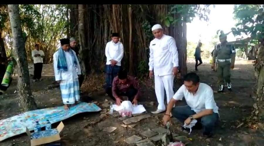 Dinilai Religius, Walikota Serang Berziarah Kubur