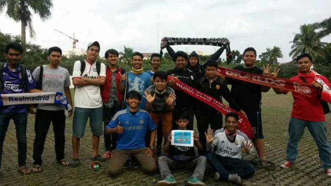 To Gether For Charity Tangsel For Kelud (25/2)