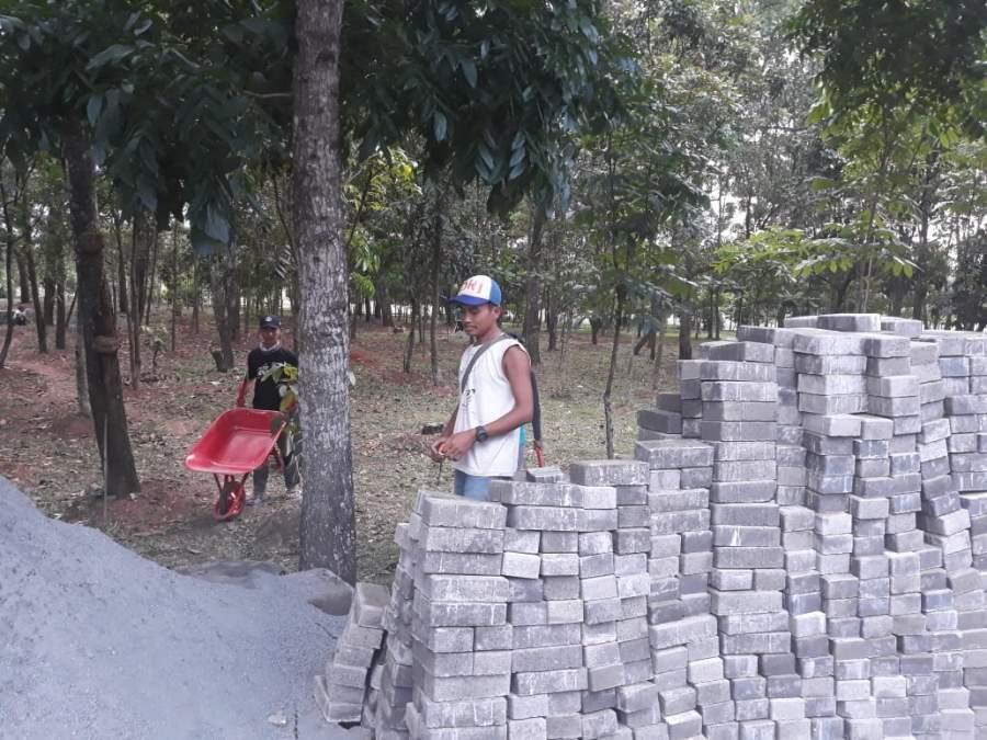 Tidak Pasang Papan Proyek, Proyek Paving Blok Situ Pemda Dipertanyakan