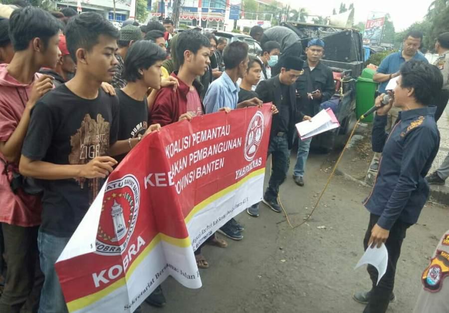 Ratusan Massa Tuntut Tuntaskan Dugaan Jual Beli Aset Negara Untuk TPST Bojong Menteng Kabupaten Serang