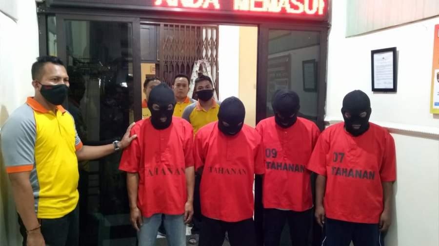 Emapt Oknum Pegawai Dinkes Cilegon, pelaku pencurian masker diamankan Polisi.