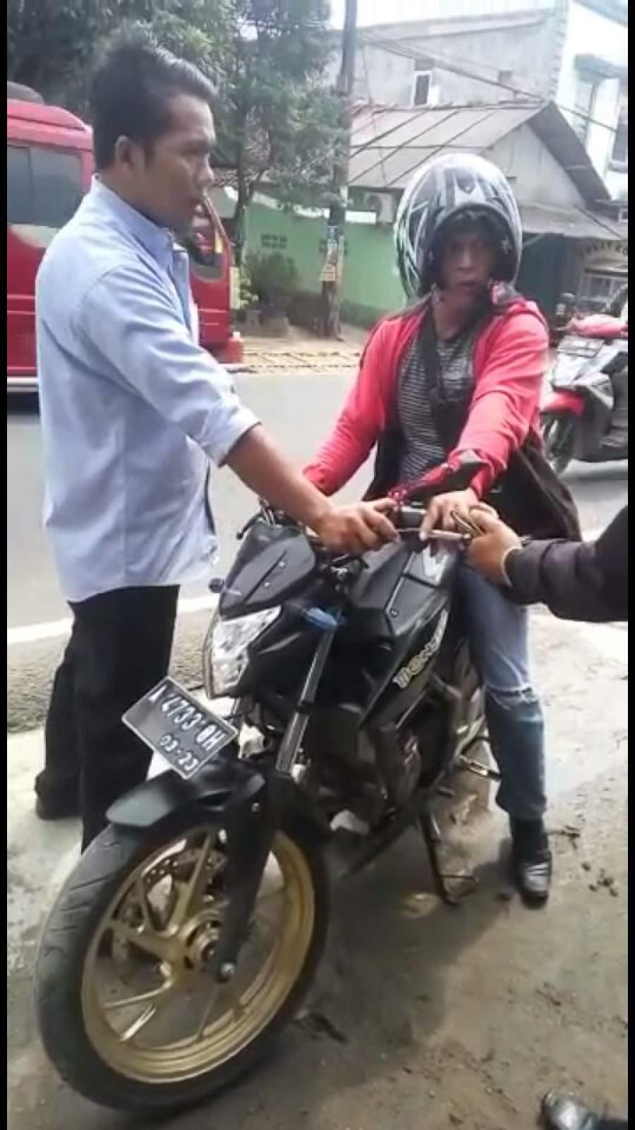 Diduga Mabuk, Bikers Cium Aspal
