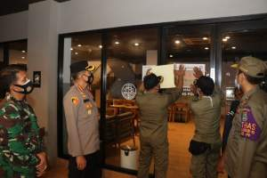 Langgar PSBB, Resto Upnormal dan Cafe MP Coffee di Citra Raya Disegel